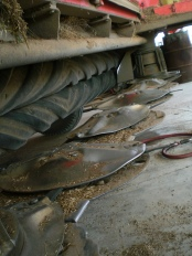 Rotary blades and discs on the mower