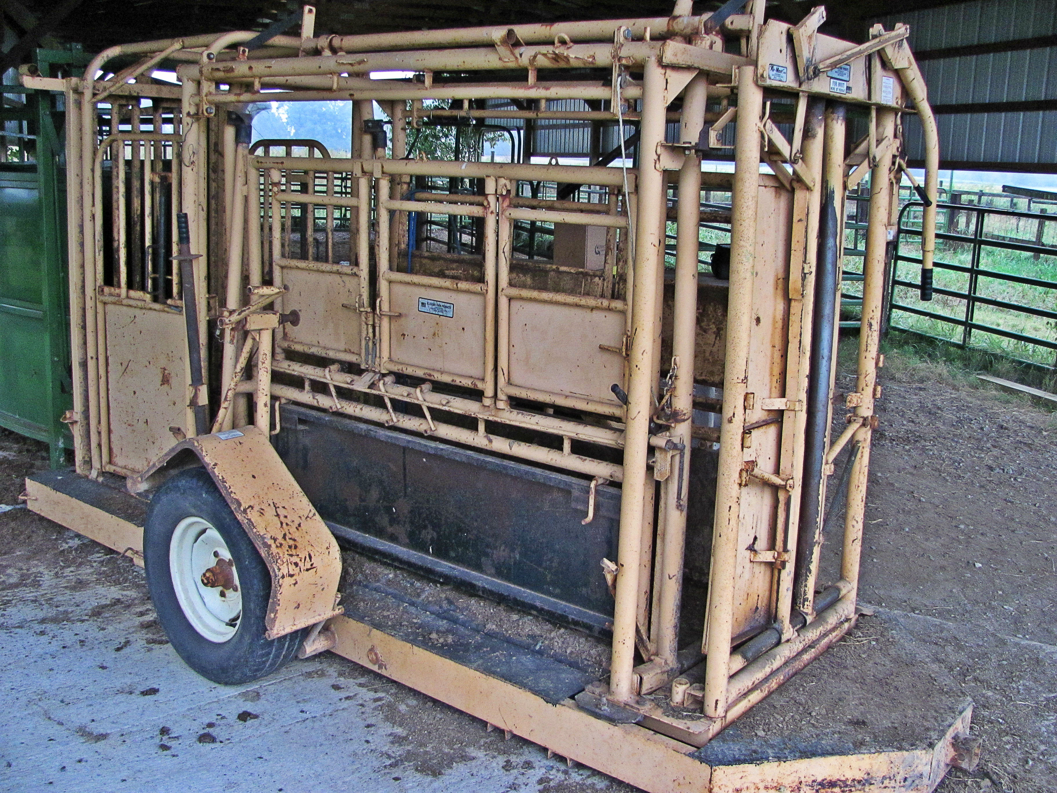 Portable Cattle Chute