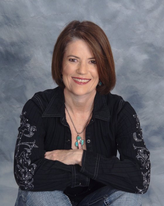 Western Author Kari Lynn Dell